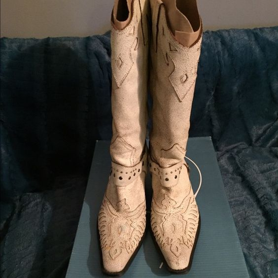 Boot:Nine West Pardoned white leather. In original box, in excellent condition. Wore once. Nine West Shoes Heeled Boots