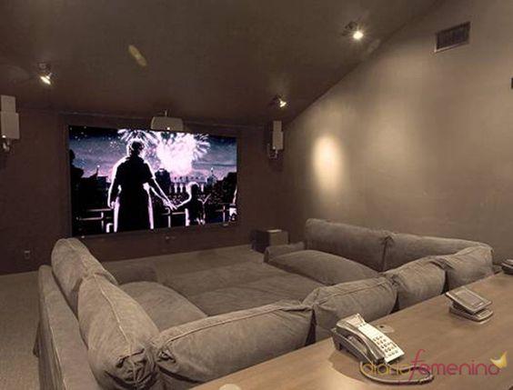 Sala de cine de la casa de los jonas brothers habitaci n - Sala de cine en casa ...