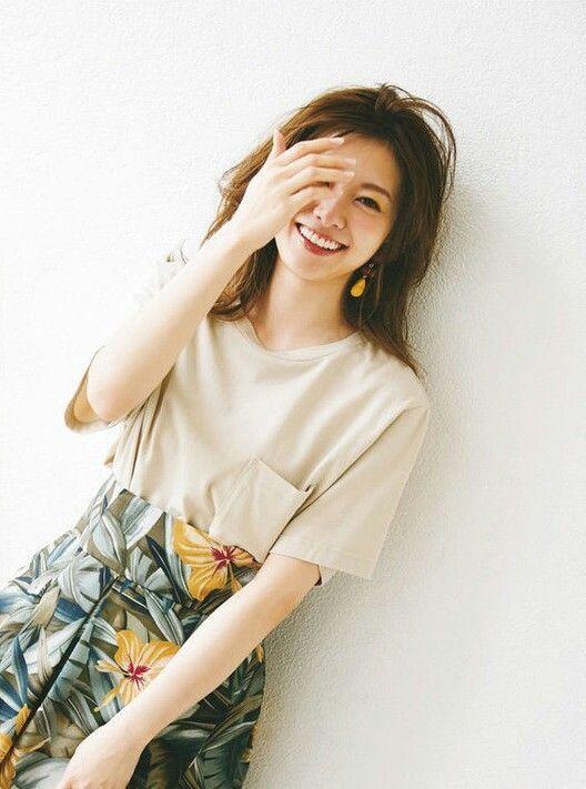 笑顔の白石麻衣