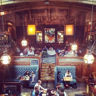 You can drink cocktails in a 1900s cinema. | 31 Things About Glasgow That Will Surprise You. Hillhead Bookclub used to be a beautiful and grandiose cinema called The Salon that was built in 1913. It's now an equally beautiful bar.