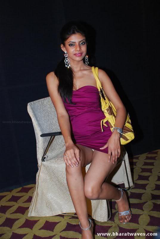 Indian Upskirt Shots