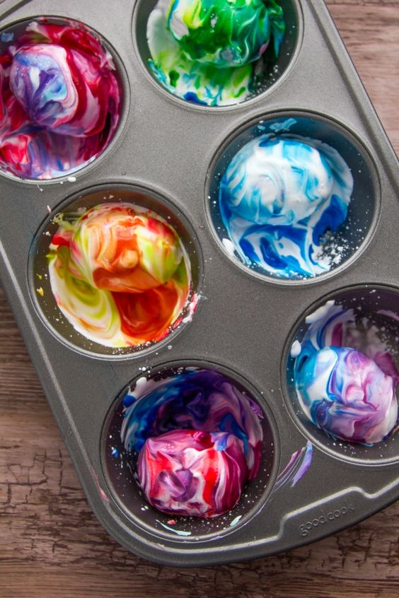 How to Dye Easter Eggs the Easy Way — With Shaving Cream!   thegoodstuff