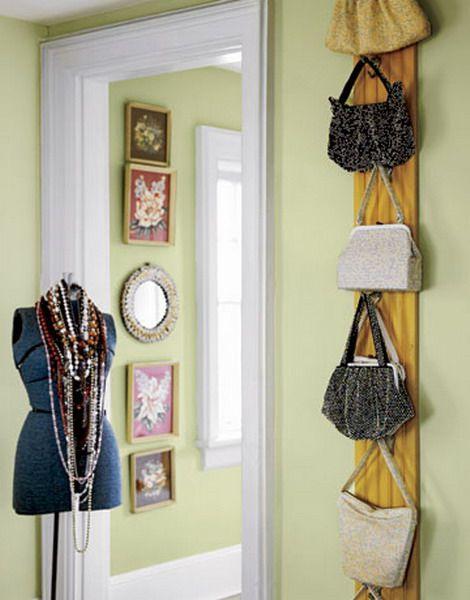 rangement pour sacs main astuce de tout les jours. Black Bedroom Furniture Sets. Home Design Ideas