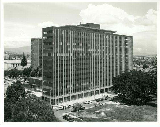 Edificio Compañía Colombiana de Gas / Paul Beer / 1966 / Colección Museo de Bogotá: MdB 24735 / Todos los derechos reservados