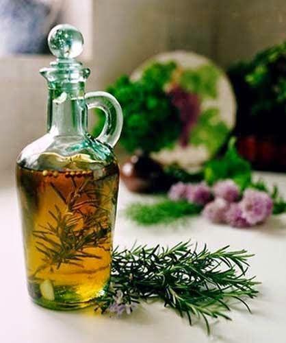 Como fazer óleo de alecrim caseiro e Como Usar para o Crescimento dos Cabelos e das Sobrancelhas - Mais Estilosa: