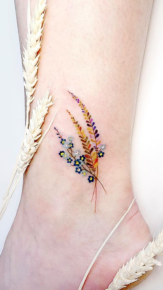 Simple Tattoo Designs To Carry Your Favorite Flower On Your Skin.  Are you looking for a classy and beautiful tattoo with a deep meaning? You should definitely consider getting one of these simple flower tattoos.  Elegant and simple flower tattoos.