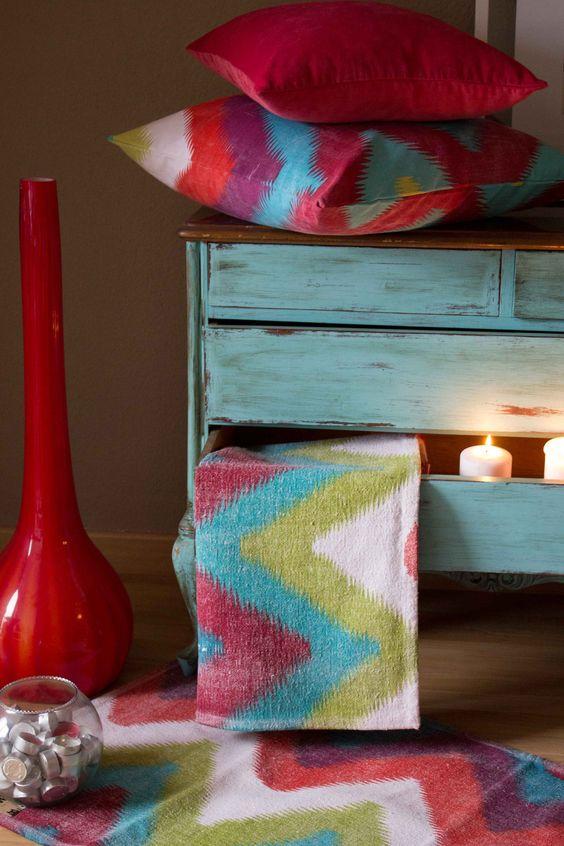 zig-zag de colores, colorterapia a la luz de las velas.Zigzag of colors, colour therapy in the light of the candles
