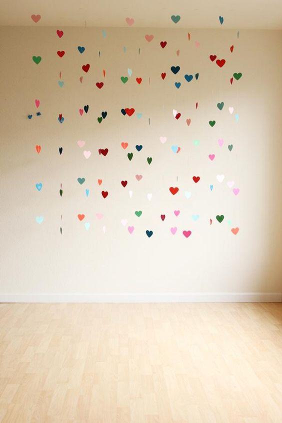 DIY Paper Garland : DIY FLOATING HEART BACKDROP: