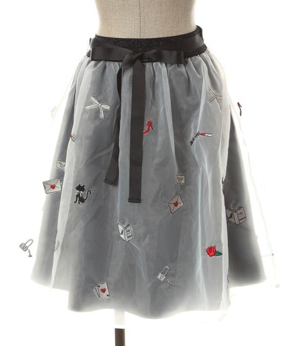 カラー刺繍オーガンジースカート
