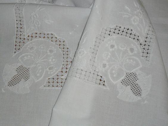 Super Tischdecke Mitteldecke 85 cm / 81 Weißstickerei Handarbeit Shabby Chic • EUR 38,00 - PicClick DE