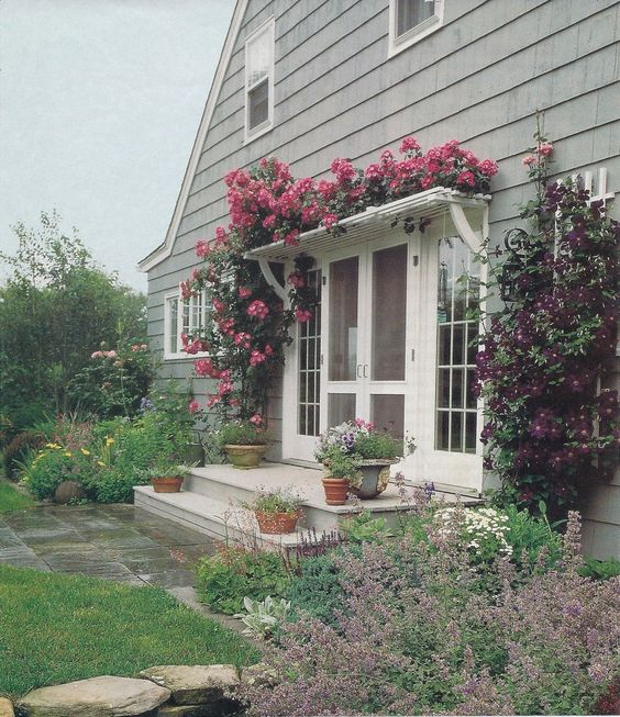 Backyard Crashers Sign Up: Love This Trellis Over Door! Could Be Such An Easy Diy To