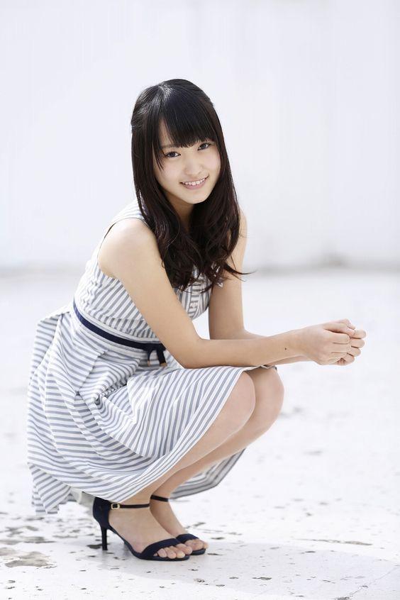 縞模様な服の菅井友香