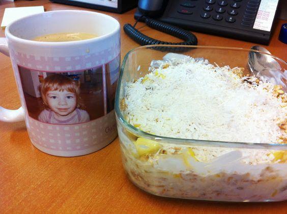 Petzi frühstückte nach einem Rezept von Attila: Ananas-Kokos-Müsli!