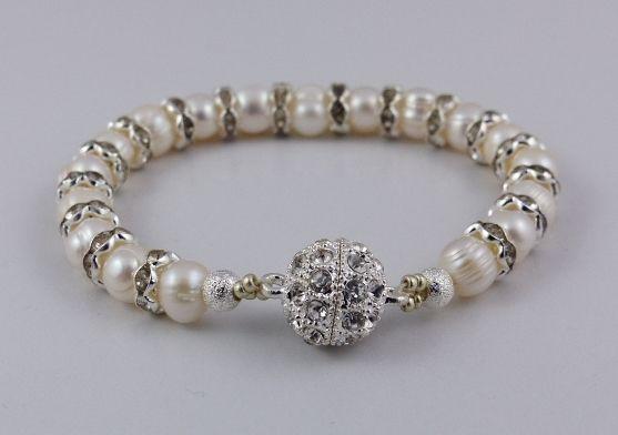 """Zuchtperlenarmband """"Pearls"""" von Aminas Schatzkiste auf DaWanda.com"""