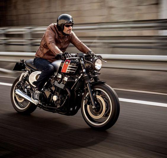Honda CB750 Seven Fifty Spitfire 09 Cafe Racer Macco Motors #caferacer #motorcycles #motos | caferacerpasion.com                                                                                                                                                      Más