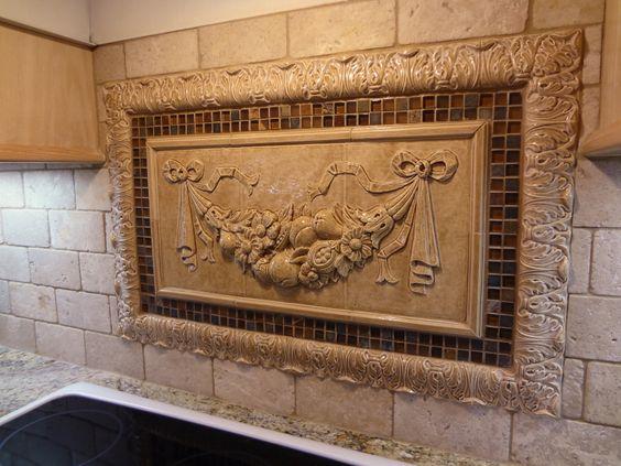 kitchen backsplash mozaic insert tiles decorative medallion tiles