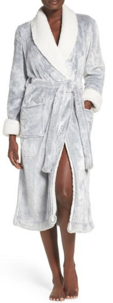 Women's Nordstrom Lingerie Frosted Plush Robe, Size X-Small - Grey