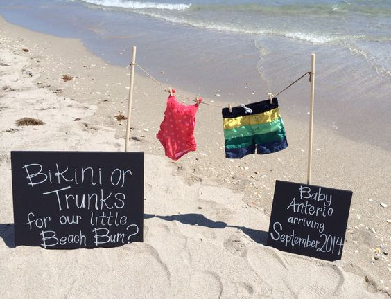 Our official beach pregnancy announcement!!