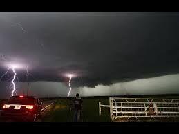 Resultado de imagem para tornados monsters 2016