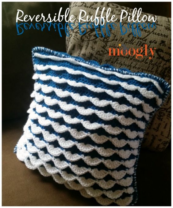 "Reversible Ruffle Pillow - free crochet pattern on <a href=""http://Mooglyblog.com"" rel=""nofollow"" target=""_blank"">Mooglyblog.com</a>!:"