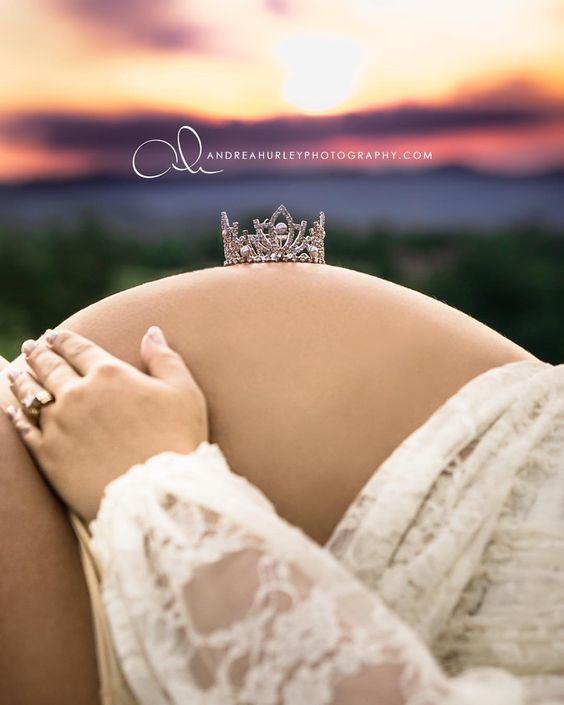 Maternity photos | Baby bump | Tiara pics | It's a Girl | Fine Art Portrait | Mountain Mom