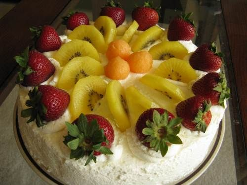 chinese birthday cream cake w/strawberry mousse filling