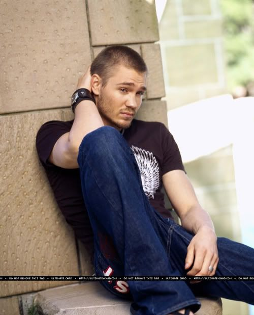 Chad Michael Murray - CMM Picture Thread #32: Chad shaved his head?! It's official, we are in heaven! - Page 17 - Fan Forum