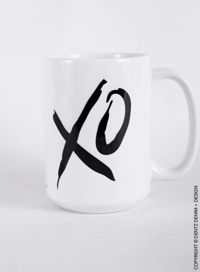 XO - Hugs & Kisses - Coffee Mug #valentine #valentinesday #heart #love #vday #vdaygiftidea #giftideaforher #forher #xo #mug #coffee #tea