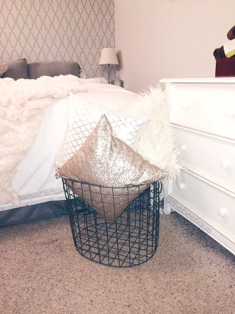 Decorative Bed Pillow Storage : Throw Pillow Display x Storage Basket. Wired basket / trash bin for decorative pillows and ...