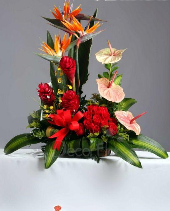 Jardin en Rosas, Aves de paraiso, Maracas y Orquideas, en Base Cuadrada. cod: N012008