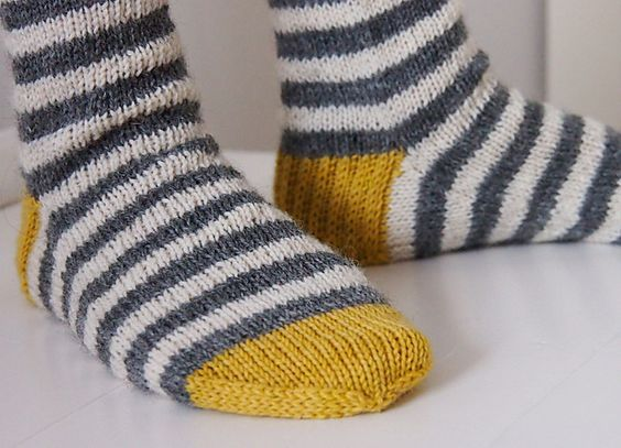 Ravelry: koukutettu's Raitasukat -- I want to knit a pair exactly like these!