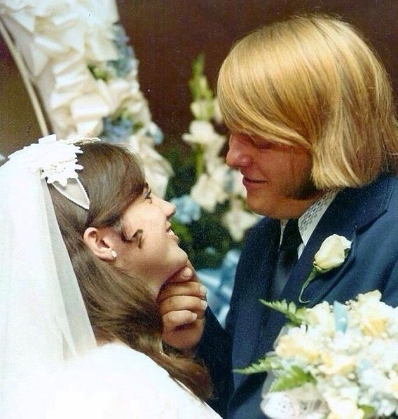 My Friend S Parents On Their Wedding Day Taken 40 Years Ago Today Vintage Wedding Photos Iconic Weddings Beautiful Bride