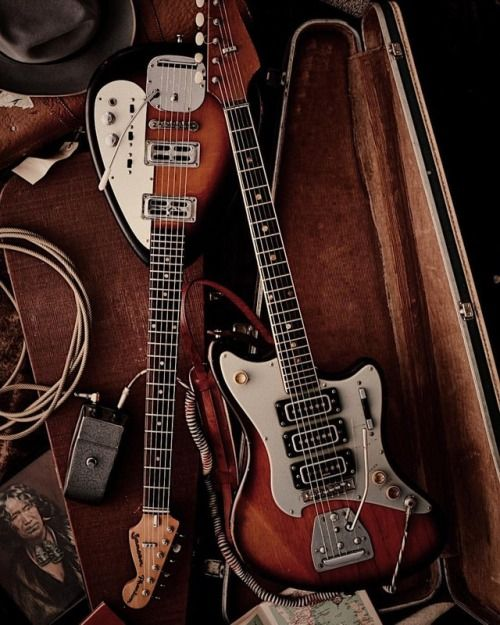 Lost In Crystal Canyons Nz Made Jansens Cool Guitar Custom Guitars Vintage Guitars