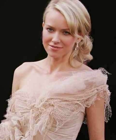 Naomi Watts's charming hairstyle