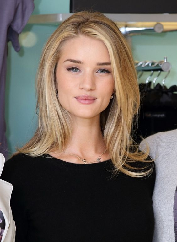 Rosie Huntington-Whiteley I'm cutting my hair short....this is what I'm going for.