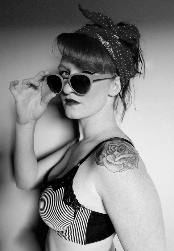 une belle pin up revisité. photograghe et styliste : Justine Boulanger
