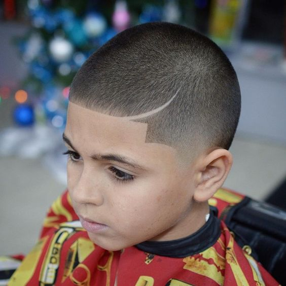 Low Fade with Hard Part