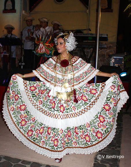 Linda labor, Pollera - Panama
