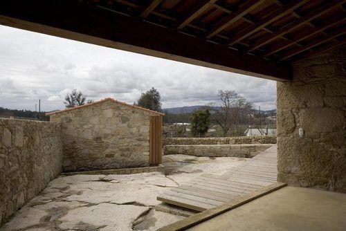 Nuno Brandão Costa — Casa em Areias de Vilar. Barcelos