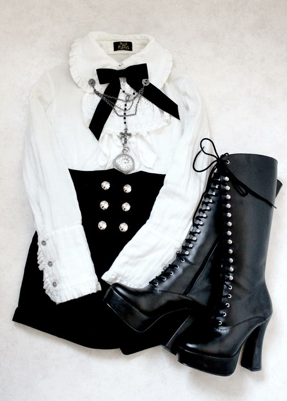 "Every fiber of my being wants me to call this ""Hoochie-Victorian Goth."" LOL. Could be Neo-Victorian for all I know, but I think a Nu Goth would rock it too.:"
