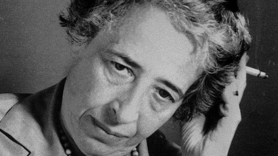 Hannah Arendt : Von wahrhaftigen Bürgern So philosophiert man gegen die Krise der Demokratie: Hannah Arendts Essay über den politischen Sokrates. Von Michael Hampe