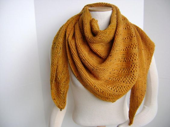 Knitting: Freesia in Gold.  Pattern available.