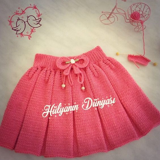 Elimde hazır...Satılıktır..✌ * 2 yaş boyu 24 cm * Detaylı bilgi için dm  . . . . #örgüetek #bebekörgüleri #kızbebek #etek#bebekyelekleri #elemegi #göznuru #ellerimleördüm #örmeyiseviyorum #örmek #örgü#nakoileörüyorum #knitt #knit #knitting #handmade #hülyaörmeyiseviyor