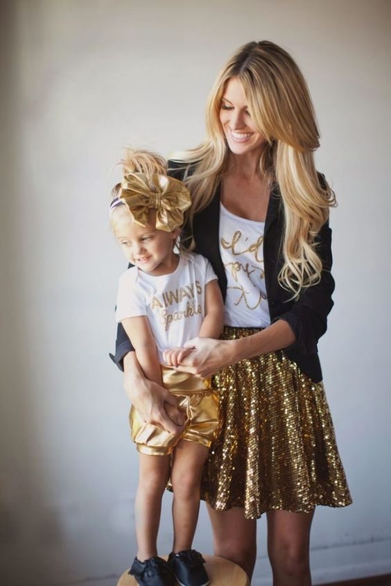 25 Adorable Mom & Daughter Outfits #motherdaughter #outfits #fashion: