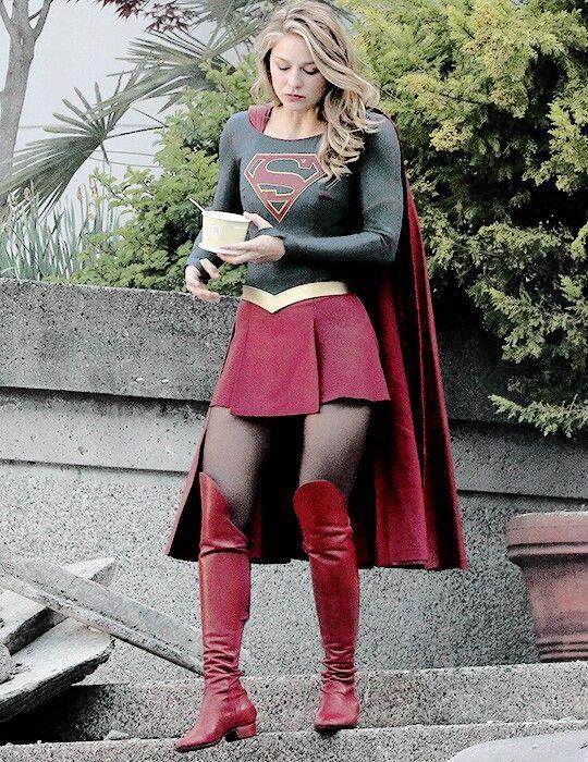 Supergirl melissa benoist hot Melissa Benoist