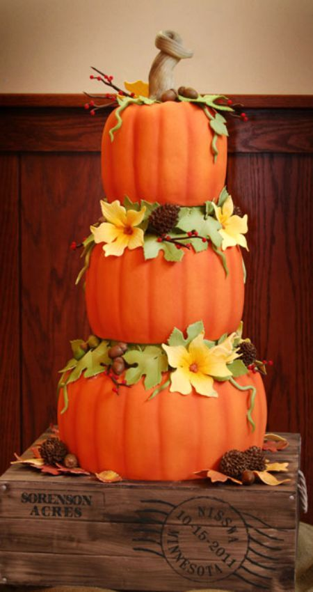 Fall Themed Wedding Cake: