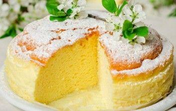 Ce bunătate pufoasă și aromată! Cheesecake-ul care a cucerit lumea! Se face din numai 3 ingrediente banale