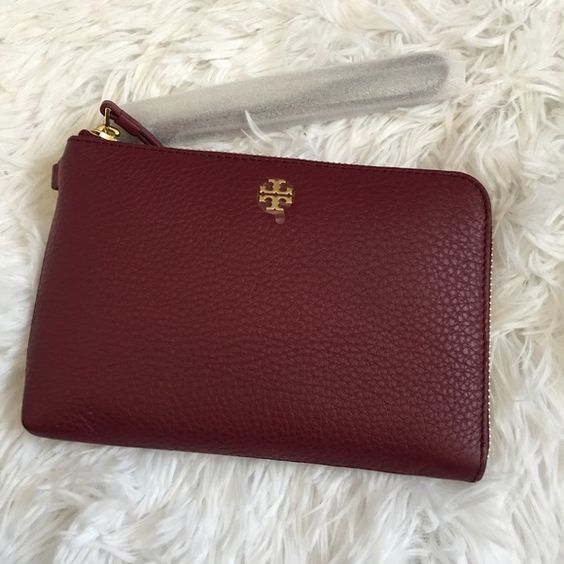 Tory Burch Wristlet AUTHENTIC  NO TRADES  No Low Balling  All items are authentic   Ⓜ️ and ️️ welcome   Price is Firm ! Tory Burch Bags Clutches & Wristlets