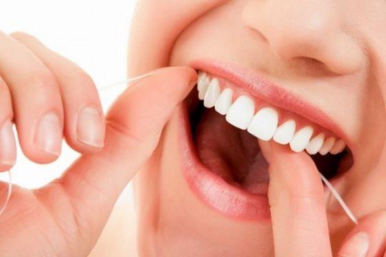 ¿Por qué usar hilo dental todos los días?