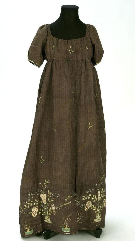 Dress, first quarter of the 19th century, Documentation Centre ja Textile Museum - CDMT: